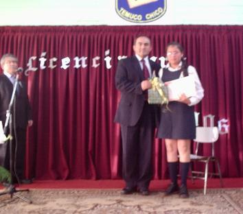 Ceremonia de Licenciatura: Kimberly Márquez, primer lugar del curso